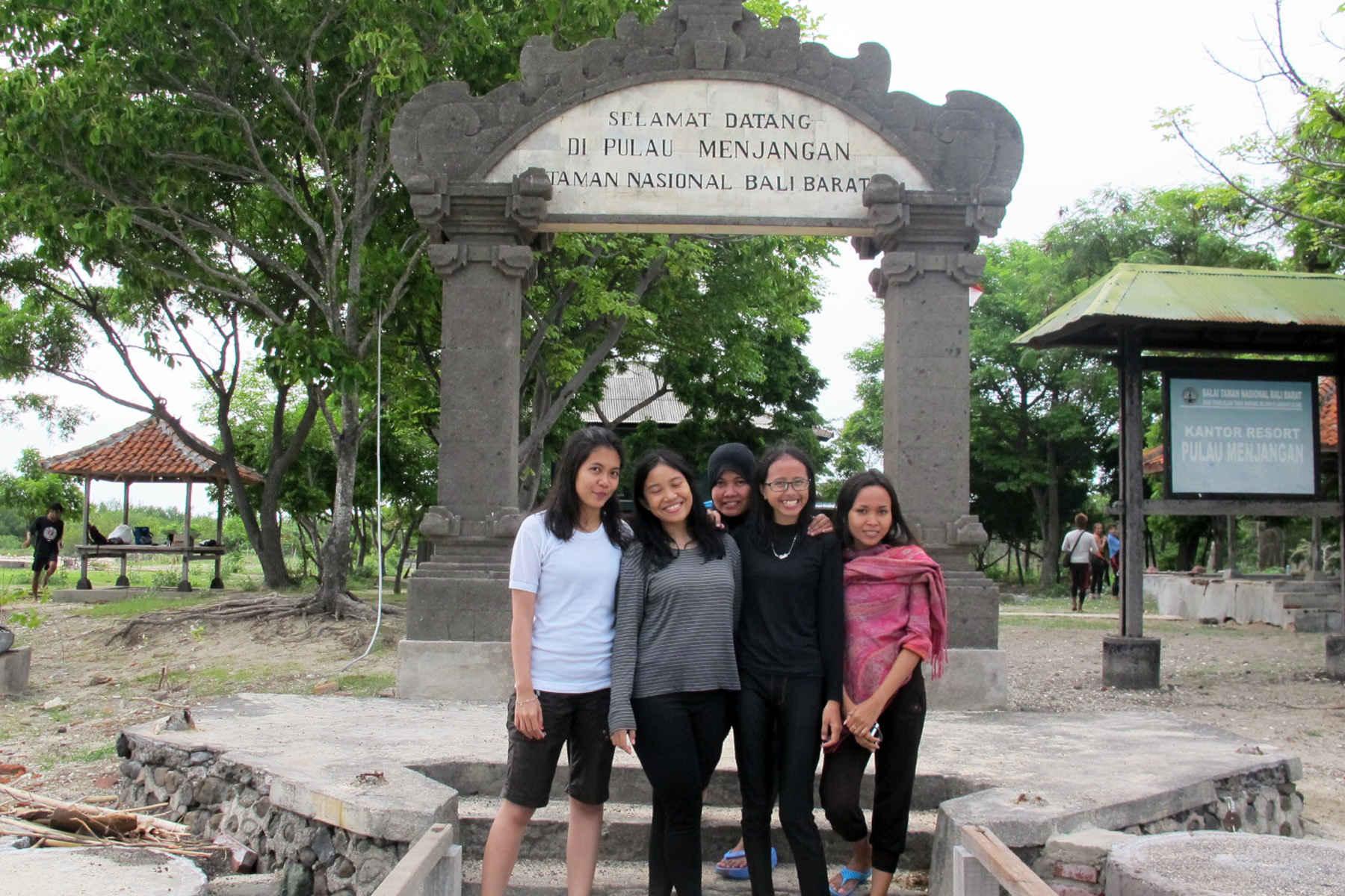 Paket Wisata Pulau Menjangan One Day Trip