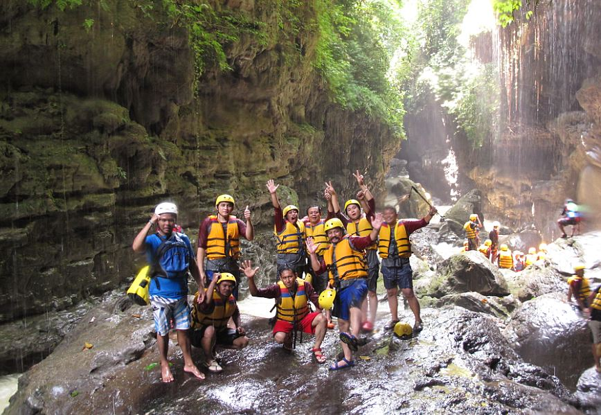 Nikmati Trip ala Grand Canyon di Open Trip Green Canyon Pangandaran